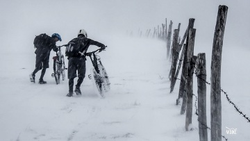 CYCLING IN THE SNOW*STORM